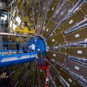 """Bóson de Higgs – """"encurralada"""" a partícula de Deus"""